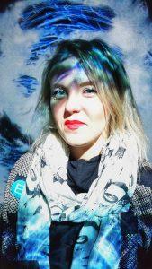 Unna Primadonna tutustuu Black Waves -teokseen