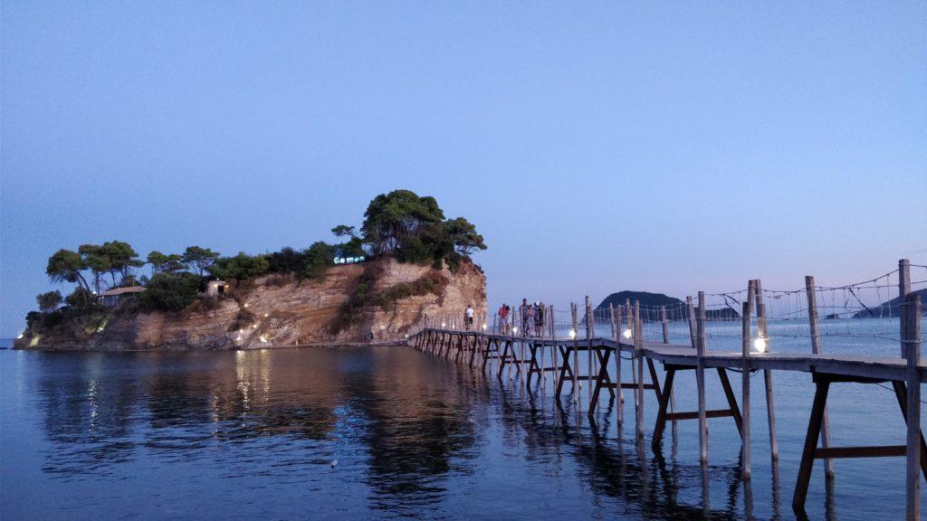 Zakinthosin Agios Sostis ja Cameo Island on must kohde roadtripillä.