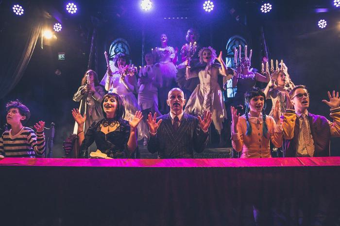 The Addams Family (c) Mika Nurmi / Kaarinan Nuorisoteatteri