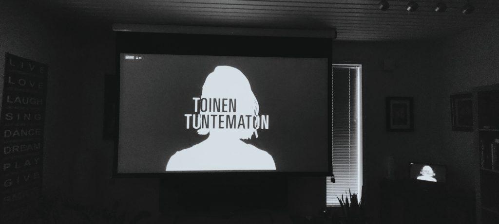Erilainen ensi-ilta – Toinen tuntematon Turun Kaupunginteatterissa.