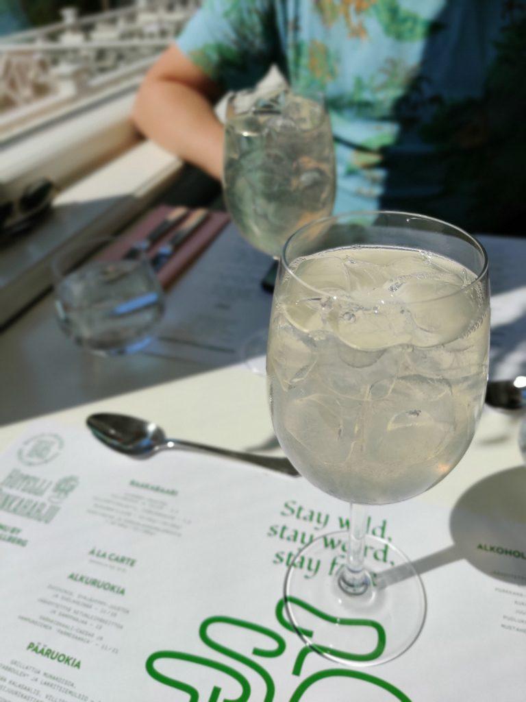 Ihastu ihmeisiin: Ravintola Punkaharjun villiyrttilounas.