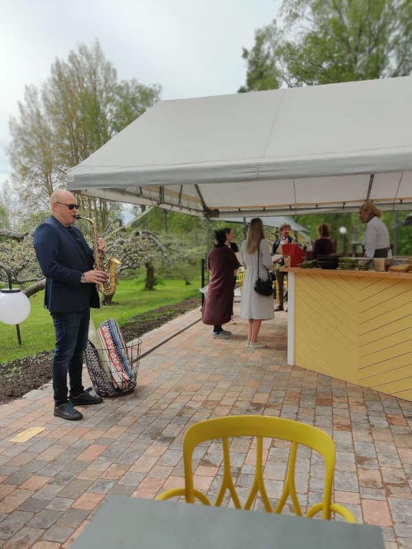 Kuulas Garden Grill & Café hurmaa Naantalissa